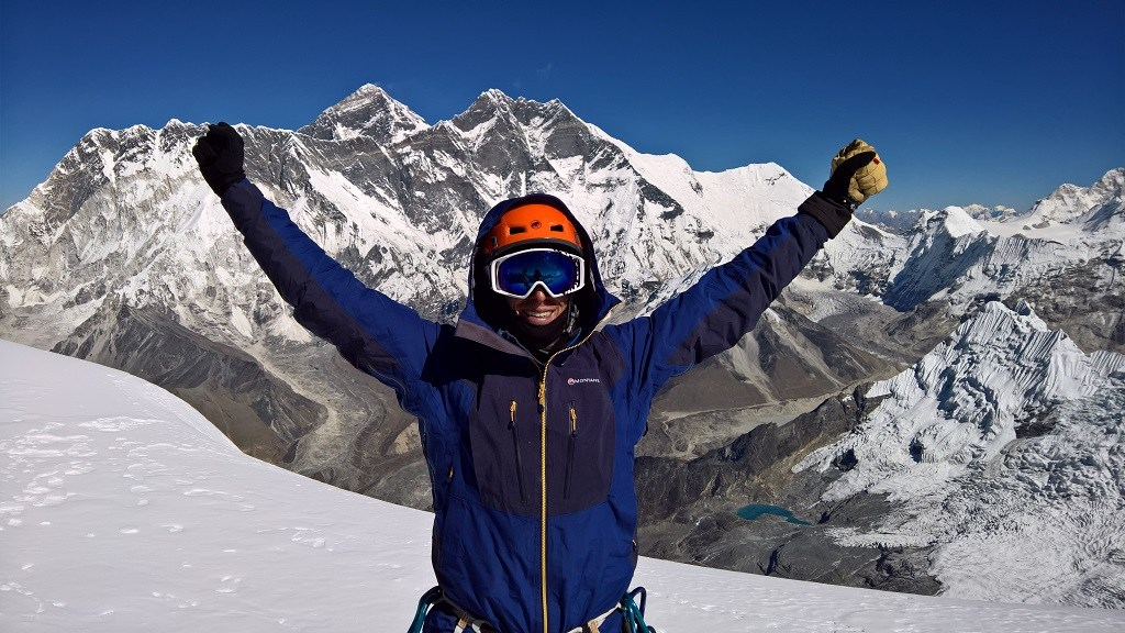 Australian breaks world record with Mt Everest summit