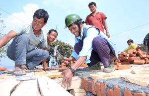 Nepal earthquake anniversary: Mobile masons help locals for speedy reconstruction