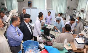 Prime Minister visits hospitalised former state minister