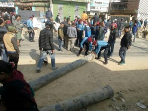 Locals block Kalanki-Kalimati road demanding blacktopping