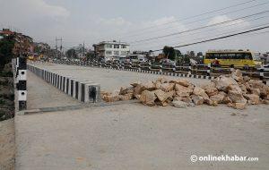 Police bar vehicles from Pappu's substandard bridge despite minister's unwillingness