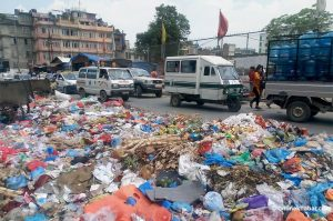 Kathmandu resumes waste disposal after a week