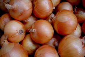 Onion price surges in Nepal amid scarcity after India's export restriction