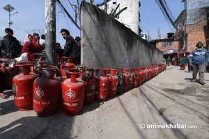 Govt urges public not to hoard cooking gas