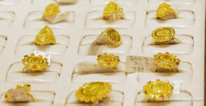 Gold price is above Rs 100,000 per tola again