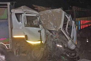 Drivers killed as trucks collide in Nawalpur