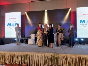 Standard Chartered Nepal gets Excellence in Learning and Development Award