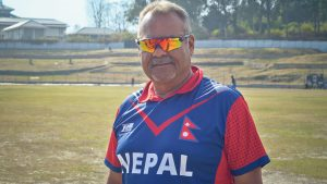 Coach Dav Whatmore to go to all provinces for 'cricket clinic'