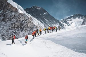 Everest 2021: Nepal reports the first summit of the season, several expected in a few days