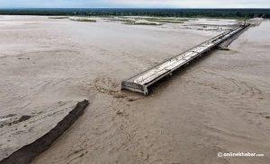 Mahakali flood sweeps away the dam of an under-construction bridge, inundates houses