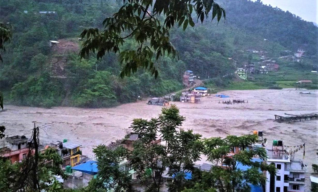 At least 7 killed in Sindhupalchok floods and landslides – OnlineKhabar  English News