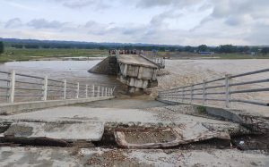 Govt to study flood-induced damage in roads and bridges
